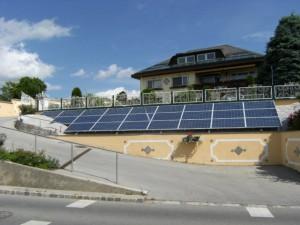 Photovoltaikanlage Einfahrt